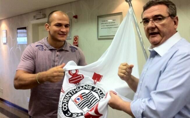 Cigano também foi contratado pelo  Corinthians, assim como Anderson Silva