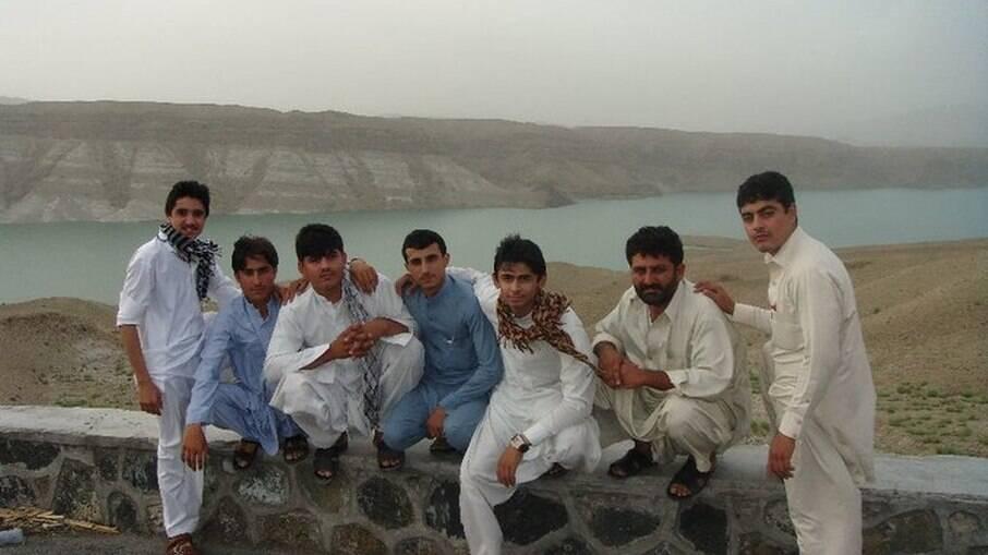 Sayed com amigos em Cabul, no Afeganistão