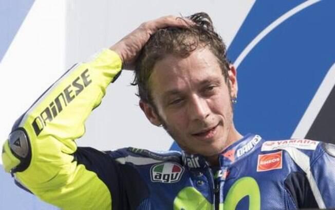 Valentino Rossi iniciou o processo de recuperação após passar por cirurgia