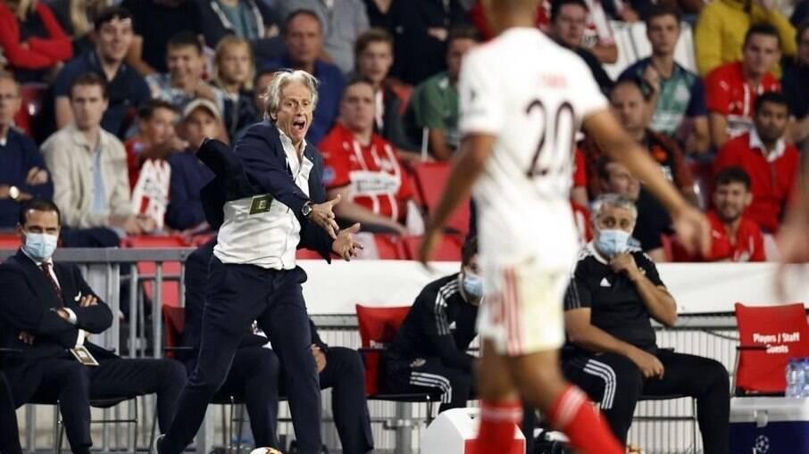 Jorge Jesus é o atual treinador do Benfica