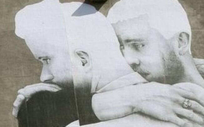 Pôster em apoio a casamento gay causou polêmica no centro de Dublin, capital da Irlanda