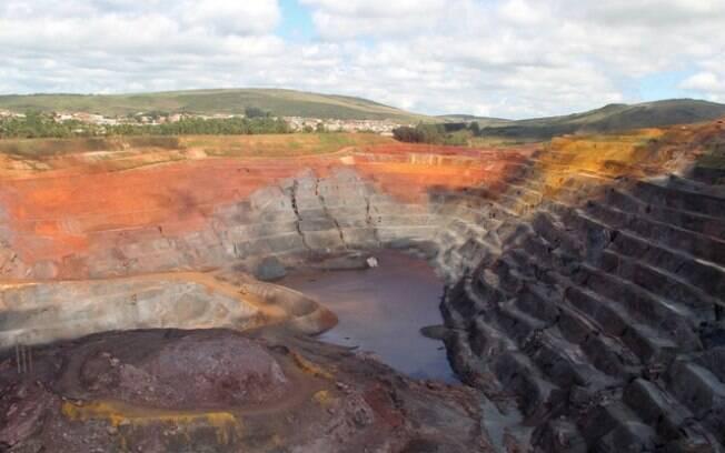 Com cortes na produção, o aumento no preço do minério de ferro deve compensar prejuízos da Vale em 2019