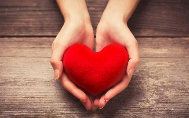 Site afirma que teste de 30 segundos feito com as mãos em água gelada ajuda a identificar como está a saúde do coração