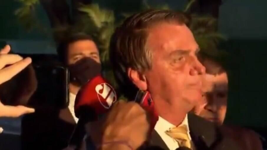 Presidente Jair Bolsonaro está internado desde a manhã da última quarta-feira, 14