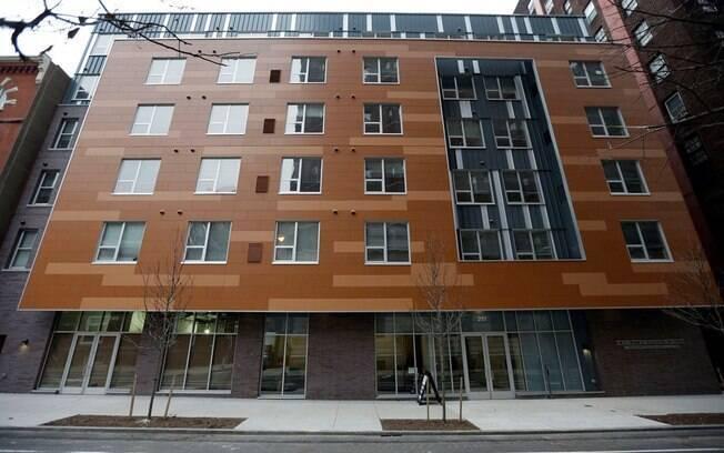 O prédio foi erguido ao custo de R$ 44 milhões e tem 200 quartos. Os preços dos aluguéis variam de R$ 432 a R$ 1699 por mês, a cobrança é de acordo com a renda de cada pessoa