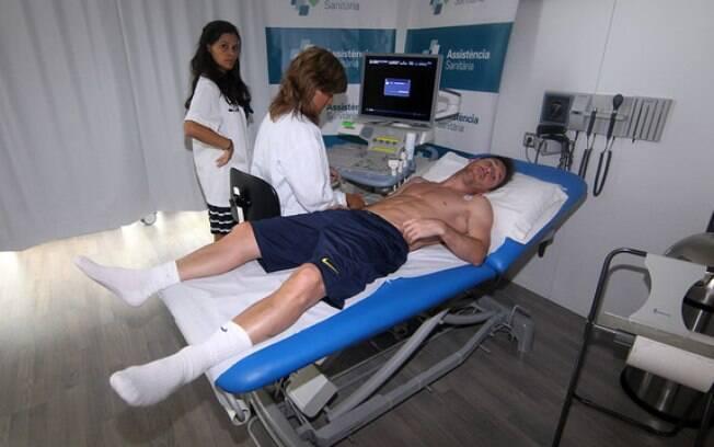 Messi faz exames na volta ao Barcelona, em  meados de julho