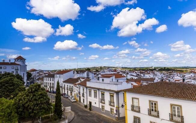 Évora é a principal cidade de Alentejo e possui muitas atrações
