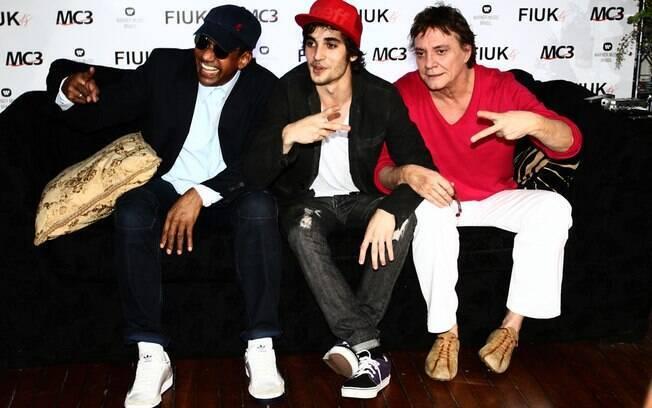 Jorge Ben Jor e Fábio Jr. fizeram uma surpresa para Fiuk durante lançamento do novo CD do jovem cantor e ator