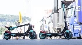 Edição limitada de patinete tem as cores da Petronas