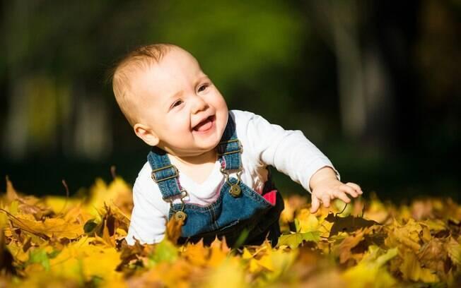 Roupas adequadas podem evitar incômodos em bebês causados pelas mudanças bruscas de temperatura do outono