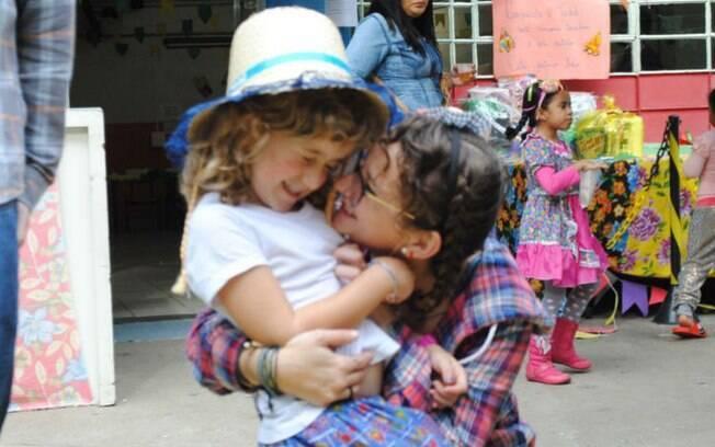 Das mães universitárias que o Delas entrevistou: Júlia, aluna de Letras na USP, e sua filha Luísa, de cinco anos