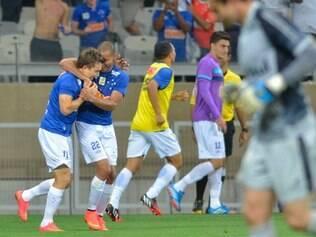 Dagoberto entrou no segundo tempo e marcou o gol que garantiu a vitória do Cruzeiro sobre o Grêmio