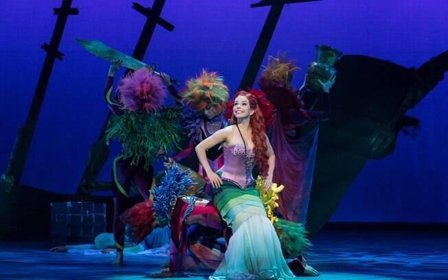 Atriz Fabi Bang encanta ao viver a princesa Ariel em musical