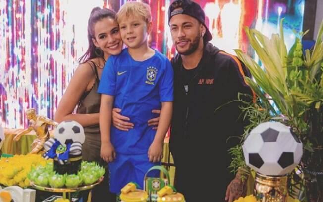 Bruna Marquezine e Neymar na comemoração do aniversário de Davi Lucca