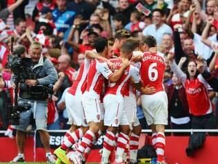 Gol da vitória  da equipe de Londres só saiu nos instantes finais da partida