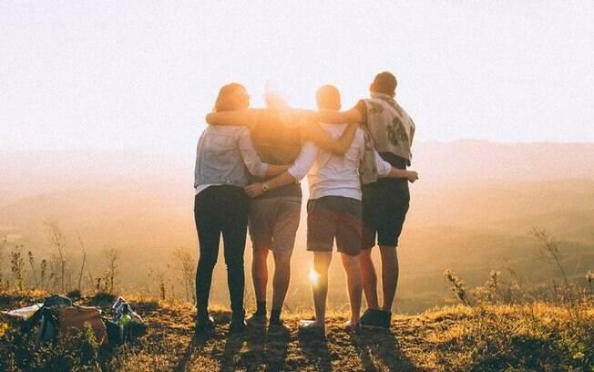 Aprenda a fazer simpatias para fortalecer amizades