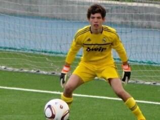 Luca atua como goleiro nas categorias de base do Real Madrid, clube pelo qual seu pai brilhou