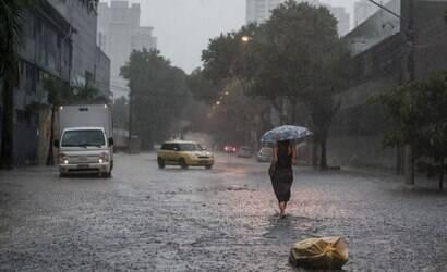 Domingo será frio e chuvoso em São Paulo; veja previsão