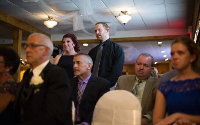 Ex-namorada de noivo e marido foram homenageados durante casamento, provando que o amor sempre supera tudo