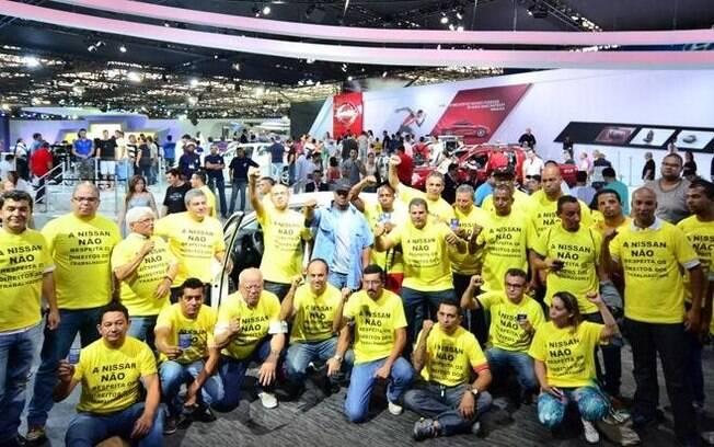 Cerca de 80 funcionários da Nissan, tanto do Brasil quanto dos EUA, cercaram o estande da marca em 2014, para apoiar a sindicalização dos trabalhadores norte-americanos.