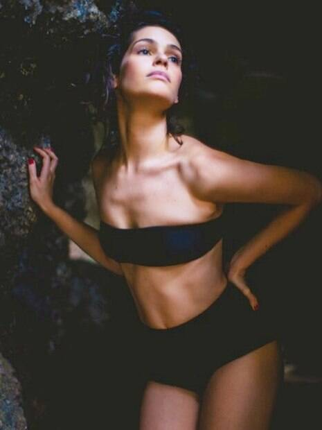 Momentos em que a atriz Maria Flor esbanjou sensualidade