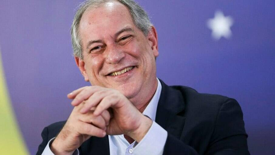 Ciro Gomes classifica Dilma Rousseff como
