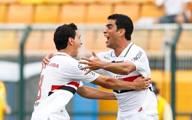 Maicon marcou dois gols na vitória de 3 a 1,  pelo segundo turno do Brasileiro 2012