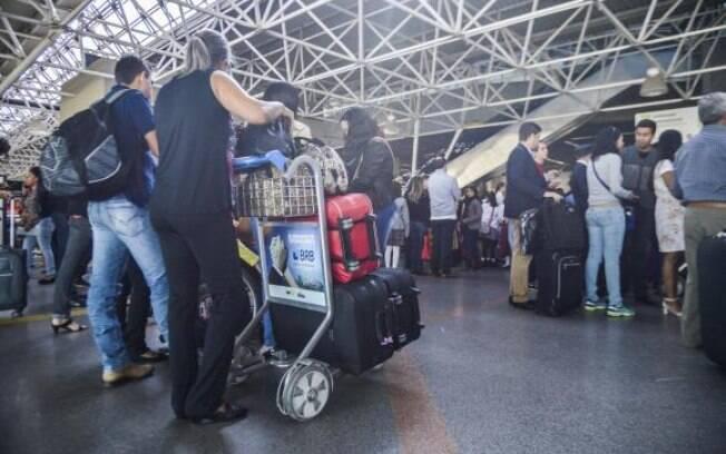 Presidente Michel Temer assina decreto com a concessão de 13 aeroportos, mas não coloca na lista o de Congonhas