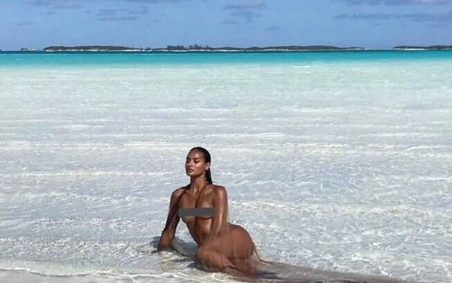 Gracie Carvalho está sempre apostando na sensualidade em suas fotos