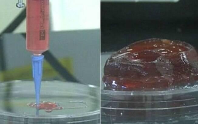 Uma impressora 3D constrói a estrutura gelatinosa que contém as células humanas