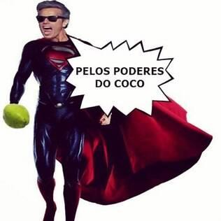 Otaviano Costa vira super-herói
