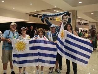 ESPORTES : TORCEDORES DA ARGENTINA E URUGUAIO NO AEROPORTO DE CONFINS Na foto: Torcedores do Uruguai  Foto : Joao Godinho / O Tempo 09.06.2014