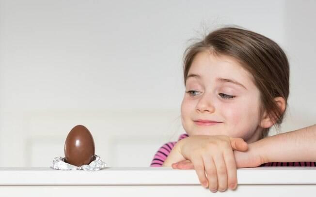 Assim como o amigo secreto, o amigo chocolate pode ser uma forma divertida de reunir a família durante a Páscoa