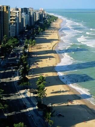 Praia de Boa Viagem, destino certo dos turistas em Recife