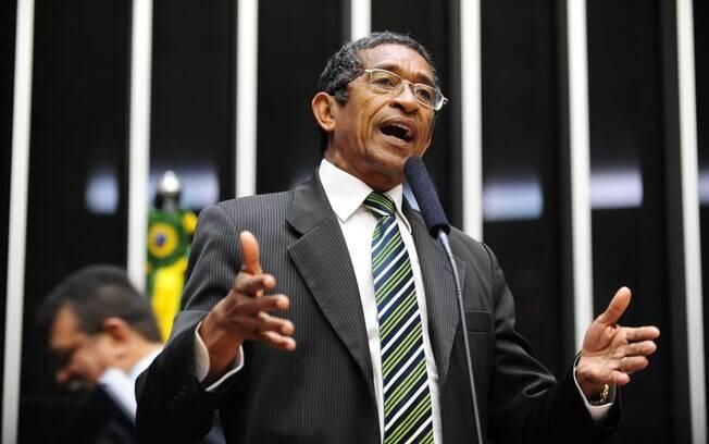 Deputado do PT, Vicentinho se confundiu e votou com governo Bolsonaro para manter Coaf com Moro