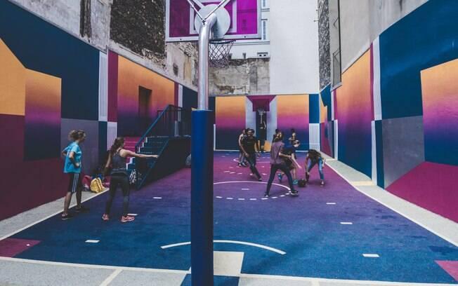 A quadra de basquete de Pigalle fica incrível nas fotos!
