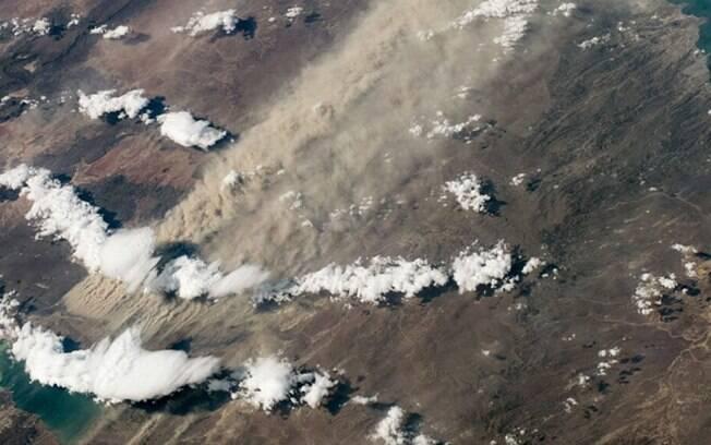 Uma grande tempestade de poeira pode ser vista no sul da Argentina em 7 de março de 2020