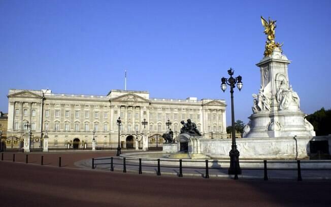 Palácio de Buckingham é um dos pontos turísticos do percurso