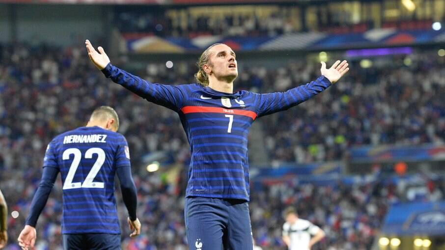 Griezmann marcou os dois gols da vitória da França sobre a Finlândia