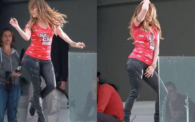 Jennifer Lopez gravou com o abadá de um camarote da Sapucaí