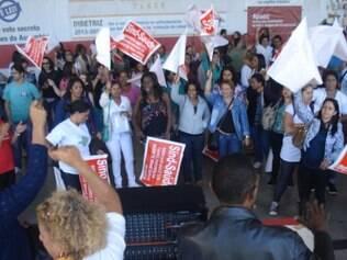 Assembleia que decidiu pela continuação da greve aconteceu na manhã desta terça-feira (10)