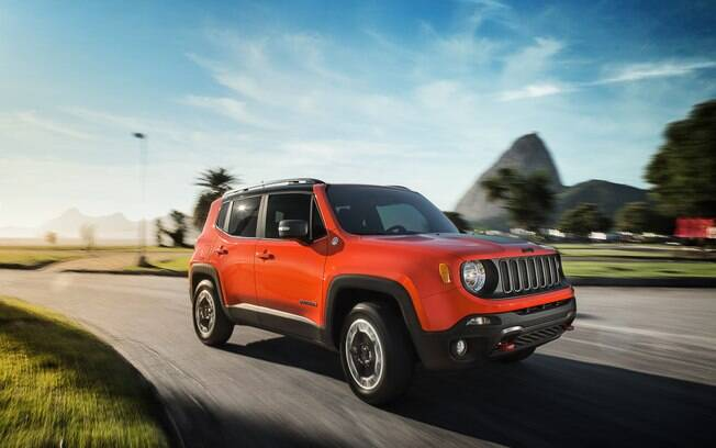 Jeep Renegade Trailhawk vai bem no dia a dia do asfalto, mas gosta mesmo é de entrar e trechos de terra