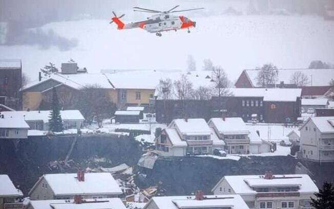 Diversas casas foram atingidas pela grande quantidade de terra deslocada