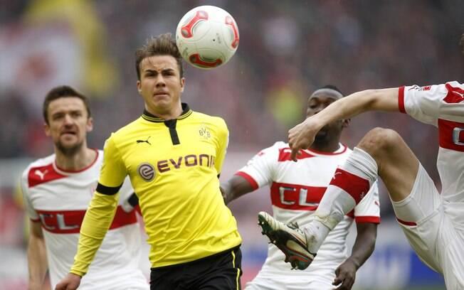Götze em ação contra o Stuttgart