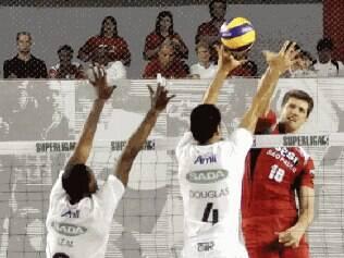 Dando sequência à preparação da equipe para a temporada 2013/2014, equipe celeste anunciou seu novo reforço para dar mais qualidade ao plantel e ter mais um atleta em nível de seleção brasileira