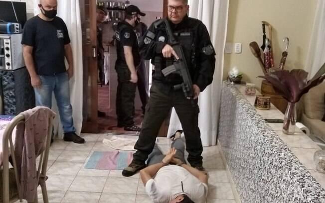 Zequinha sendo preso