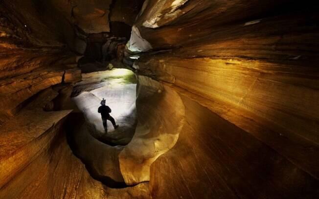 Na lista de atrações turísticas inusitadas está cavernas de todos os tipos que devem ser visitadas com um guia local