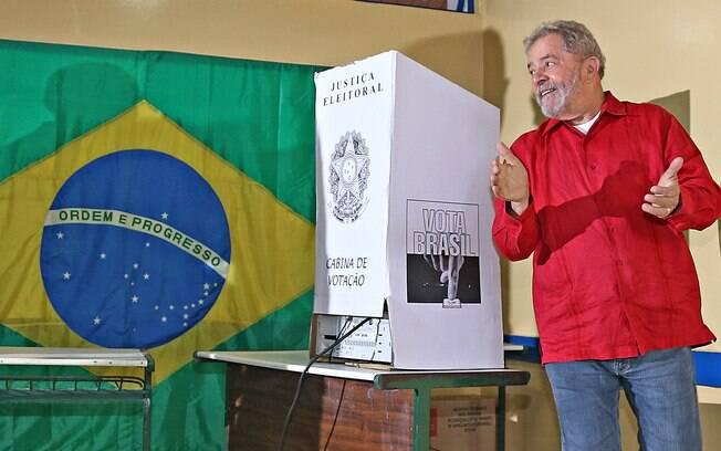 Eleições 2018: Ex-presidente Lula tem a preferência de 37,3% dos eleitores, segundo pesquisa CNT/