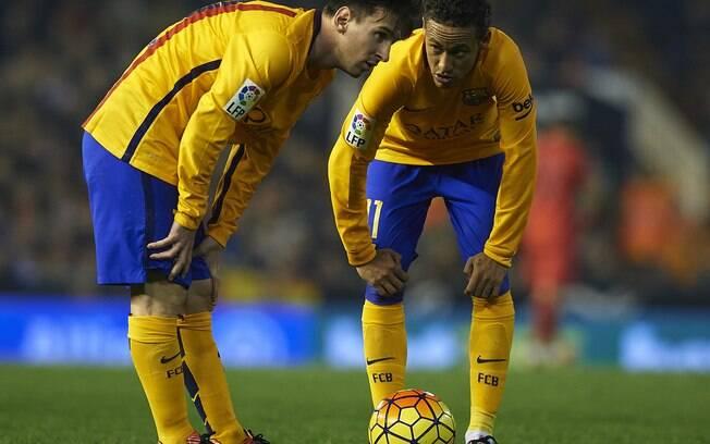 Messi teria pedido para o Barcelona tirar Neymar do PSG.
