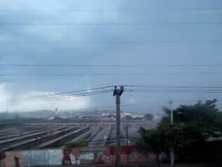 Chove em Contagem na tarde desta quarta-feira, após 17 dias de seca